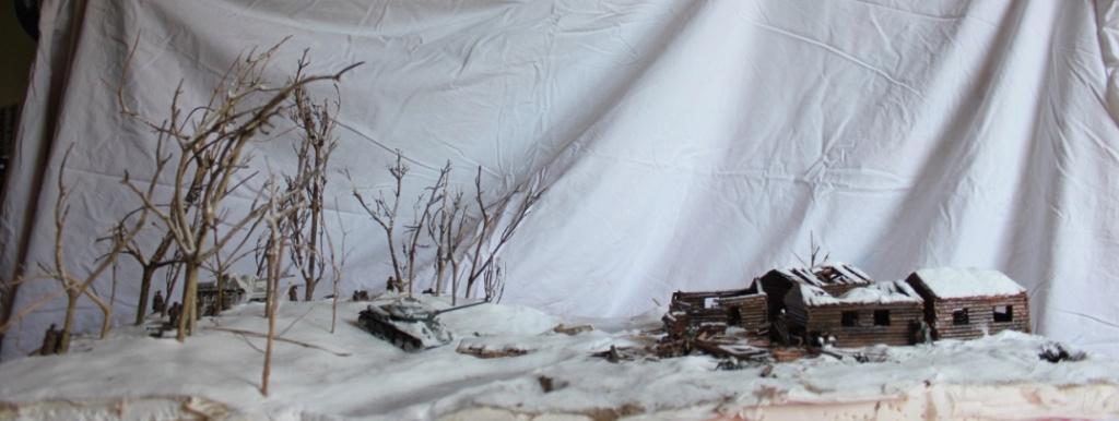Diorama: Assaut contre un village sur le front de l'Est, hiver 1944-1945 Thumb110