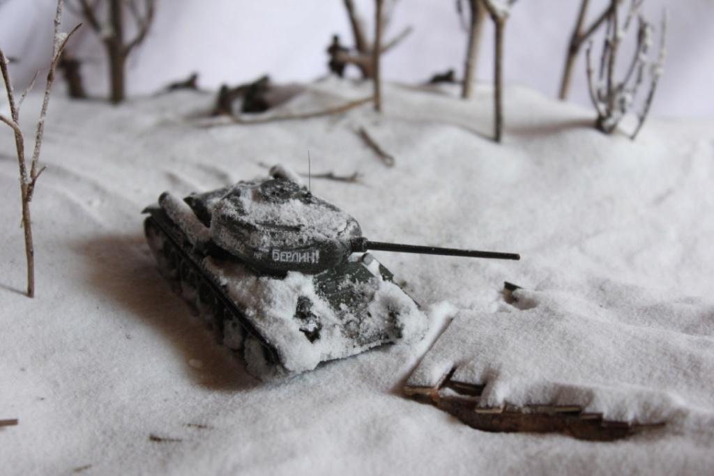 Diorama: Assaut contre un village sur le front de l'Est, hiver 1944-1945 Thumb112