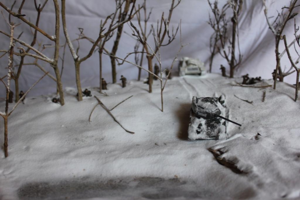 Diorama: Assaut contre un village sur le front de l'Est, hiver 1944-1945 Thumb113