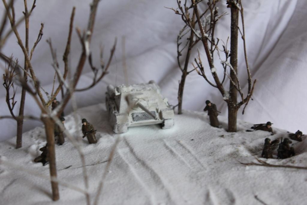 Diorama: Assaut contre un village sur le front de l'Est, hiver 1944-1945 Thumb114