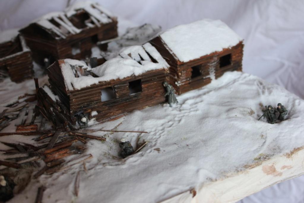 Diorama: Assaut contre un village sur le front de l'Est, hiver 1944-1945 Thumb123