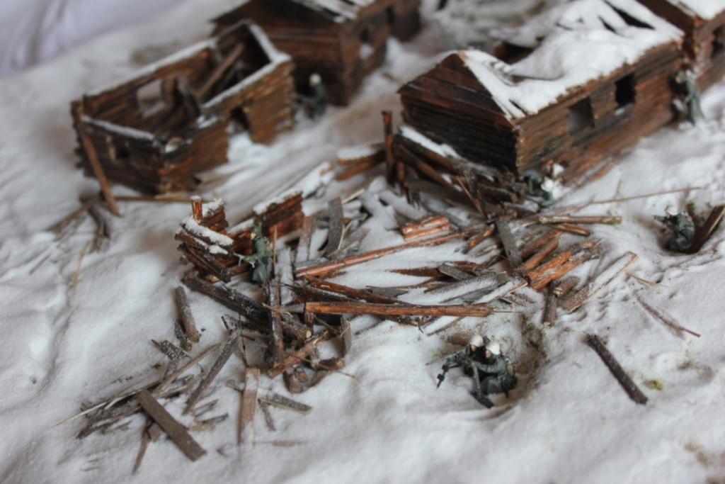 Diorama: Assaut contre un village sur le front de l'Est, hiver 1944-1945 Thumb124