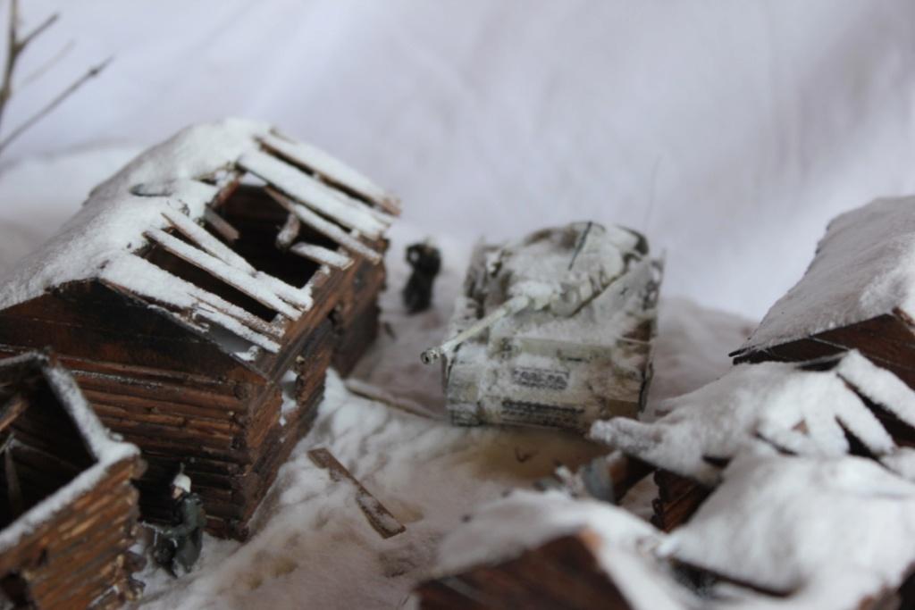 Diorama: Assaut contre un village sur le front de l'Est, hiver 1944-1945 Thumb126