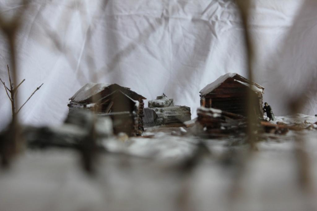 Diorama: Assaut contre un village sur le front de l'Est, hiver 1944-1945 Thumb133