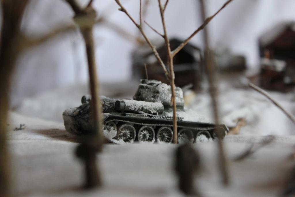 Diorama: Assaut contre un village sur le front de l'Est, hiver 1944-1945 Thumb134