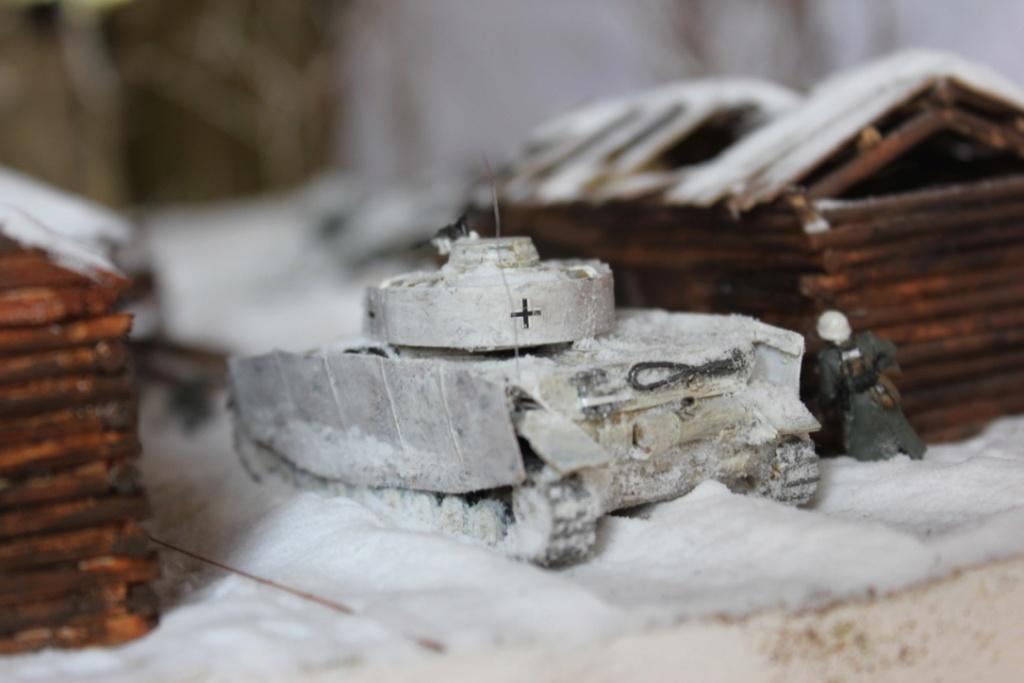 Diorama: Assaut contre un village sur le front de l'Est, hiver 1944-1945 Thumb137