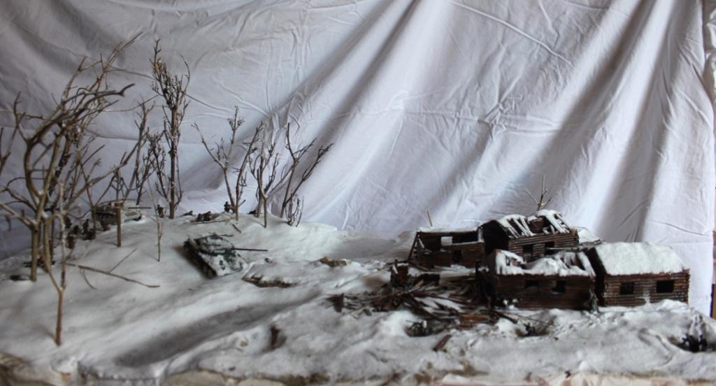 Diorama: Assaut contre un village sur le front de l'Est, hiver 1944-1945 Thumb138