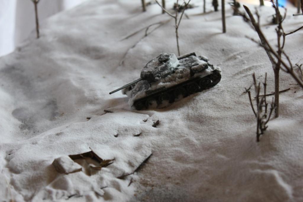 Diorama: Assaut contre un village sur le front de l'Est, hiver 1944-1945 Thumb141