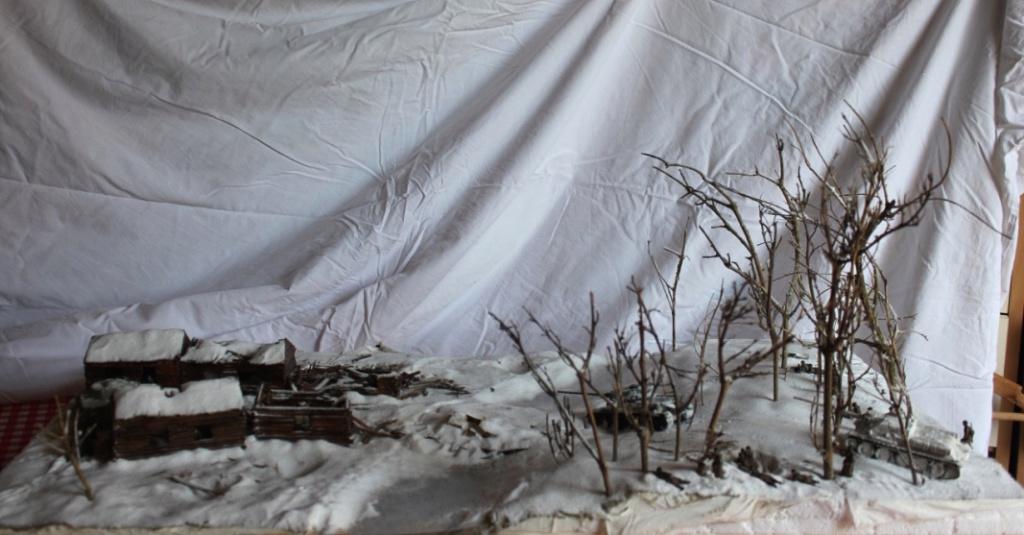 Diorama: Assaut contre un village sur le front de l'Est, hiver 1944-1945 Thumb143