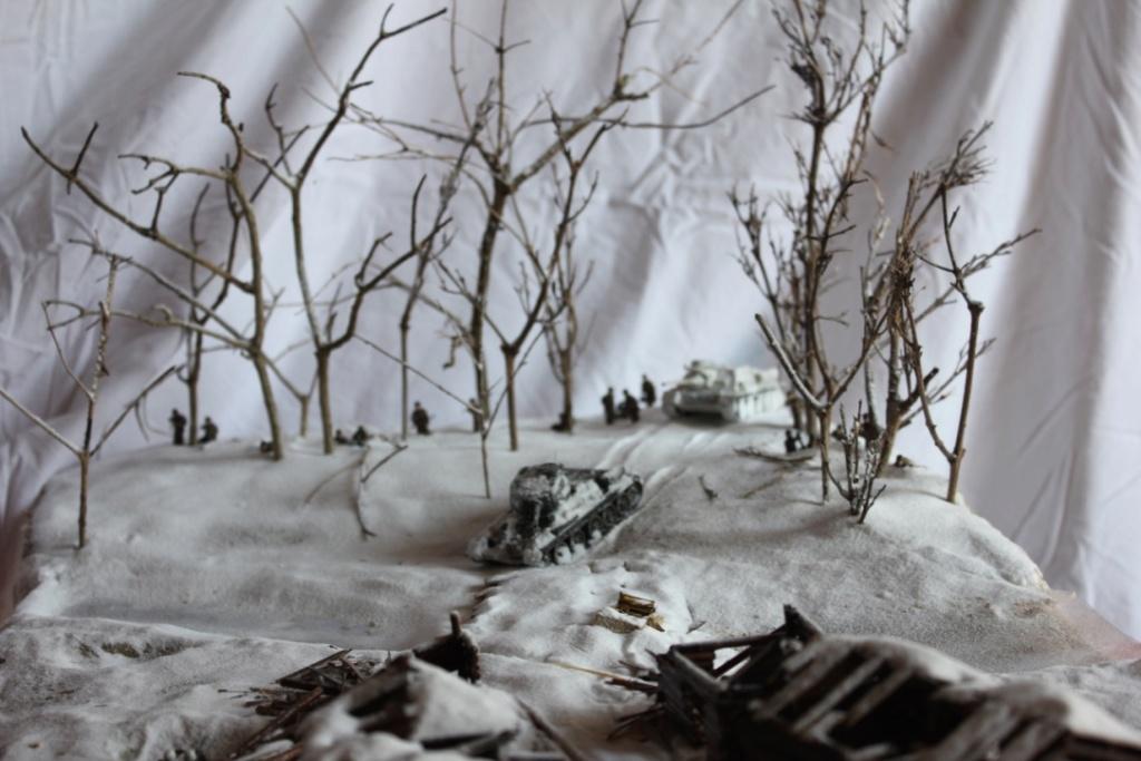 Diorama: Assaut contre un village sur le front de l'Est, hiver 1944-1945 Thumb145