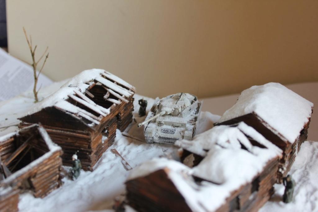 Diorama: Assaut contre un village sur le front de l'Est, hiver 1944-1945 Thumb_19
