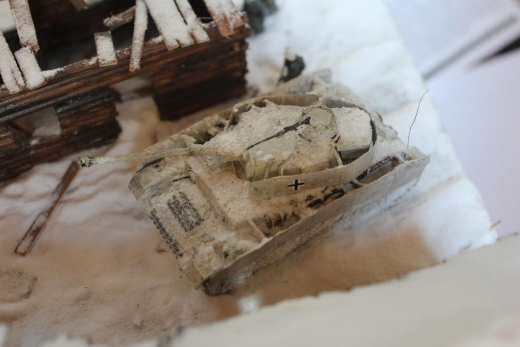 Diorama: Assaut contre un village sur le front de l'Est, hiver 1944-1945 Thumb_20