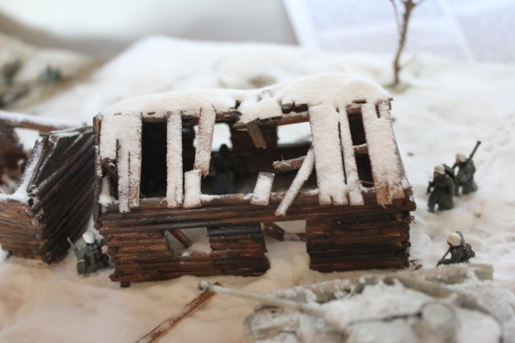 Diorama: Assaut contre un village sur le front de l'Est, hiver 1944-1945 Thumb_21