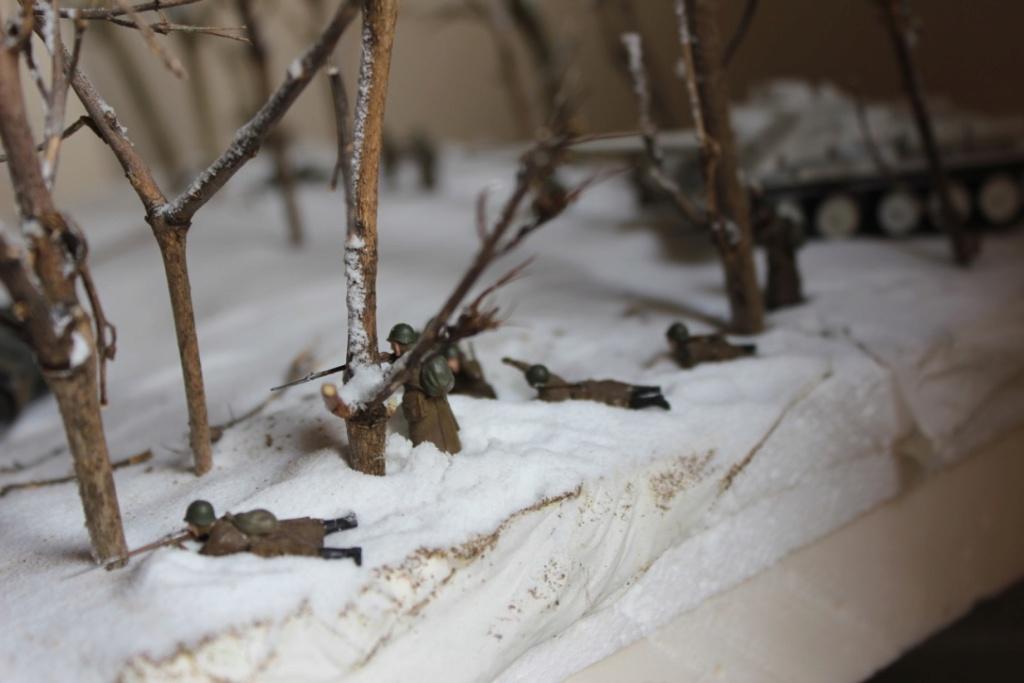 Diorama: Assaut contre un village sur le front de l'Est, hiver 1944-1945 Thumb_26