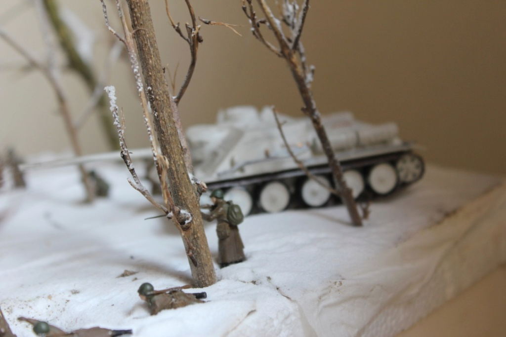 Diorama: Assaut contre un village sur le front de l'Est, hiver 1944-1945 Thumb_28