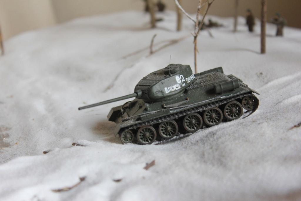 Diorama: Assaut contre un village sur le front de l'Est, hiver 1944-1945 Thumb_29