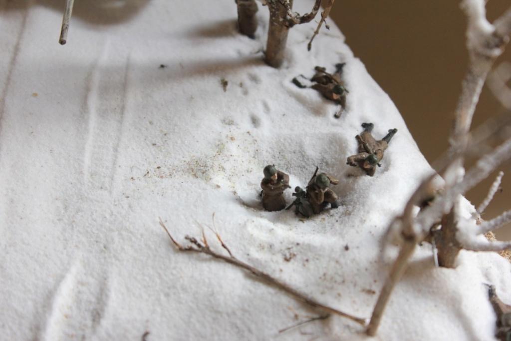Diorama: Assaut contre un village sur le front de l'Est, hiver 1944-1945 Thumb_30