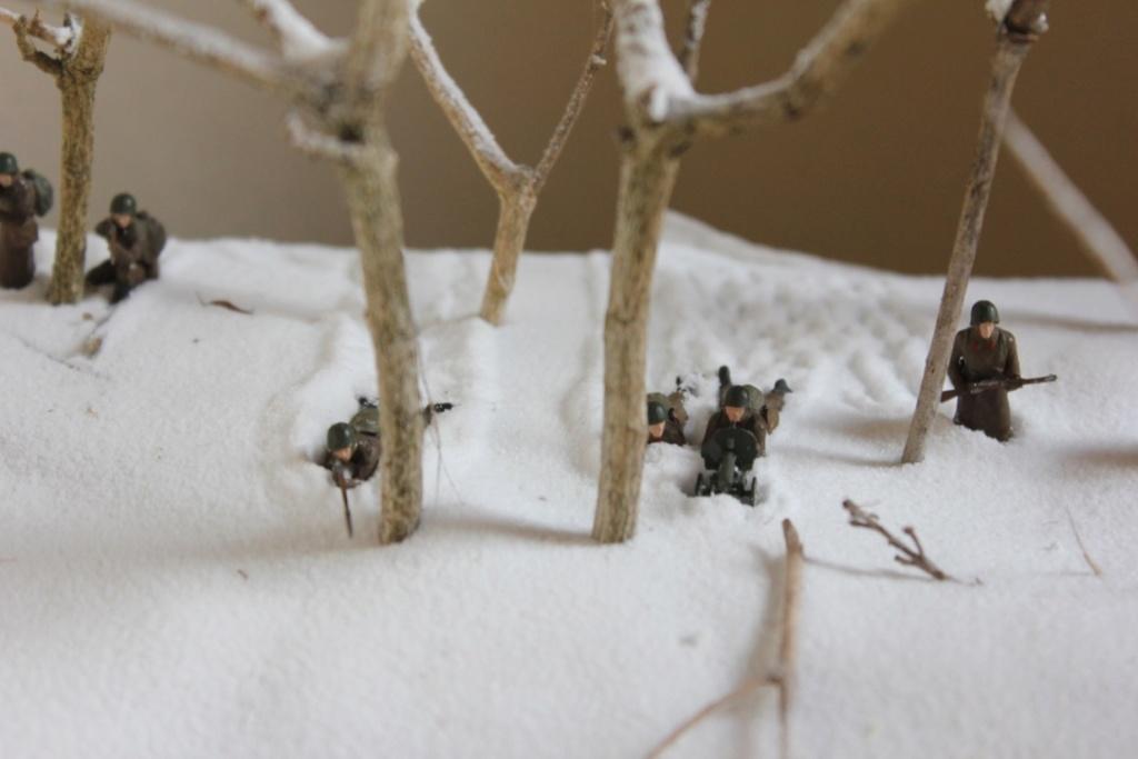 Diorama: Assaut contre un village sur le front de l'Est, hiver 1944-1945 Thumb_33