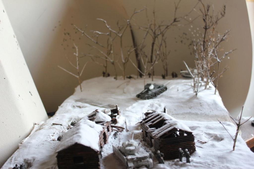 Diorama: Assaut contre un village sur le front de l'Est, hiver 1944-1945 Thumb_37