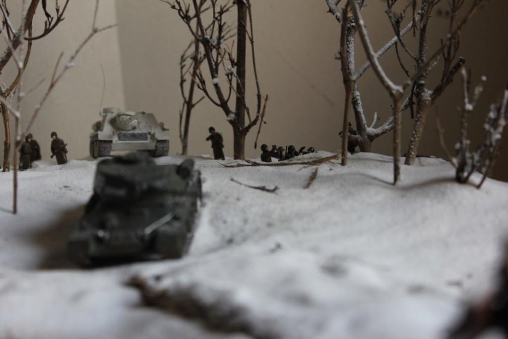 Diorama: Assaut contre un village sur le front de l'Est, hiver 1944-1945 Thumb_48