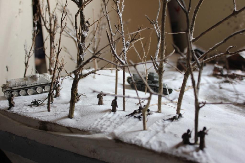 Diorama: Assaut contre un village sur le front de l'Est, hiver 1944-1945 Thumb_50