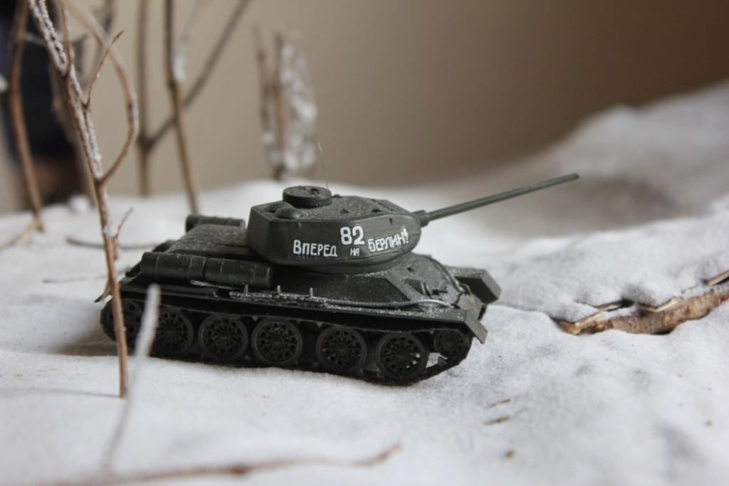 Diorama: Assaut contre un village sur le front de l'Est, hiver 1944-1945 Thumb_54