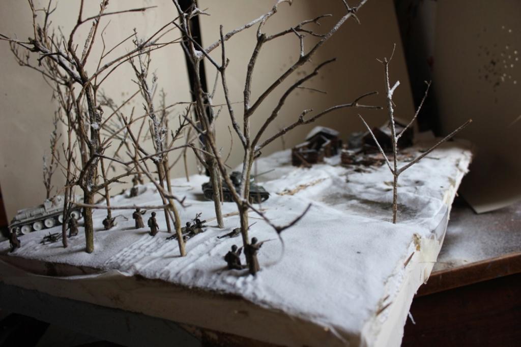 Diorama: Assaut contre un village sur le front de l'Est, hiver 1944-1945 Thumb_57