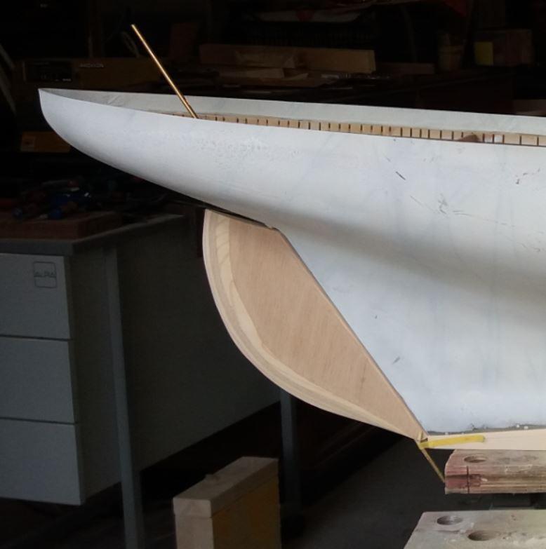 « Méthode » de construction maquette de voilier RC en bois  - Page 2 Uvgkm10