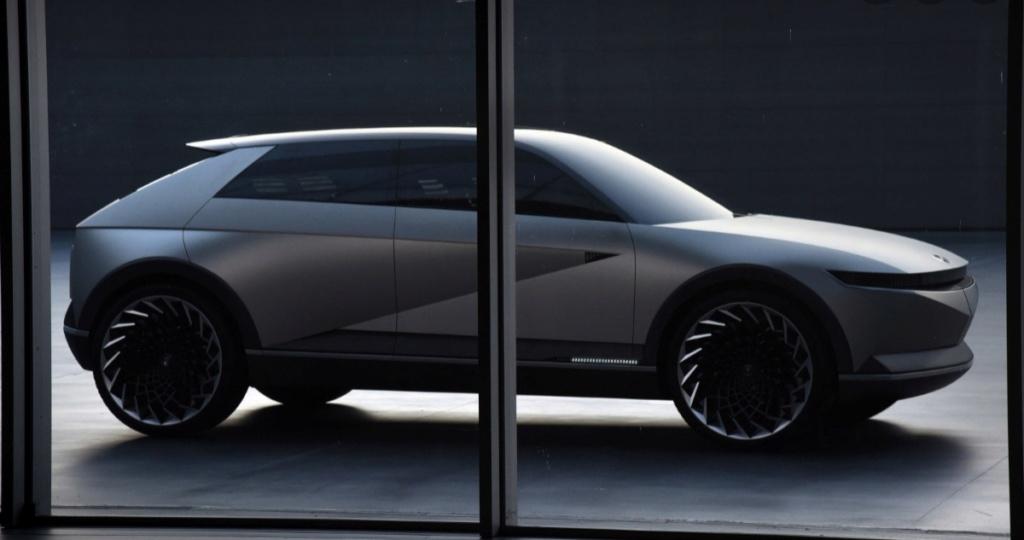2021 - [Hyundai] SUV EV 20200227