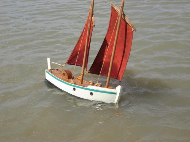 Longe-coteux et voilier de bassin Img_0010