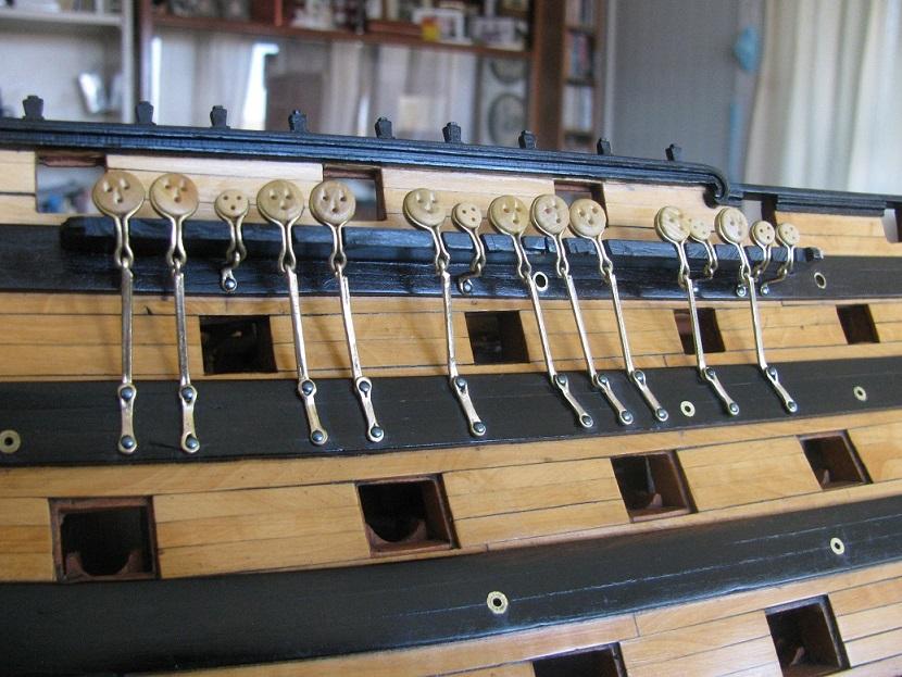 3-mâts barque Pourquoi Pas? - 2) Gréement (Billing Boats 1/75°) de Yves31 - Page 4 Santis13