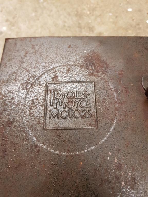 Caisse métallique rolls royce 20181110