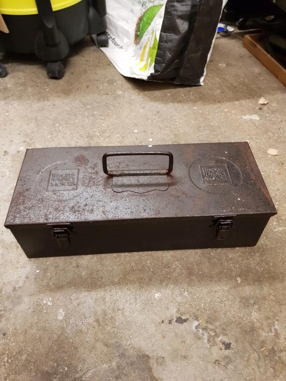 Caisse métallique rolls royce 20181112