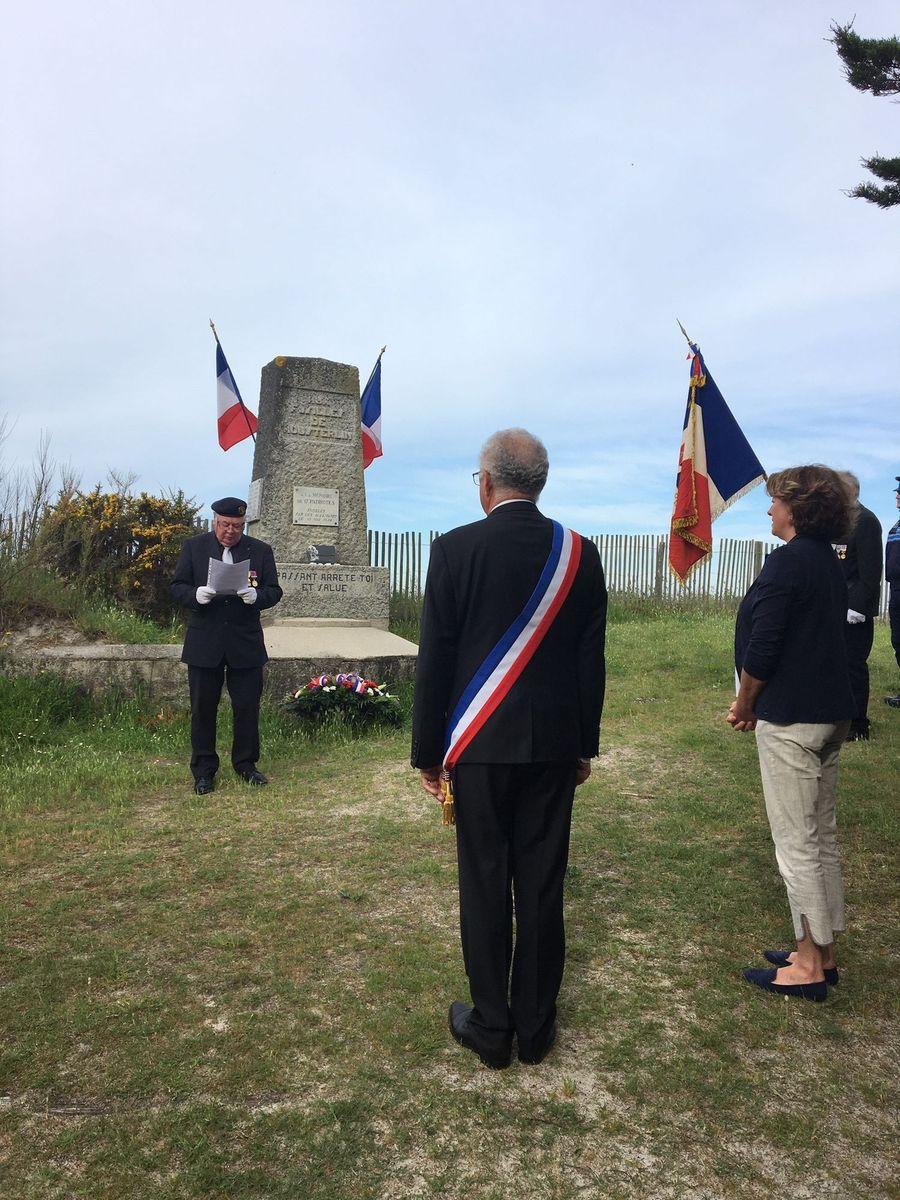 [ Histoires et histoire ] Commémoration du 8 mai 1945 à Fouesnant 00011