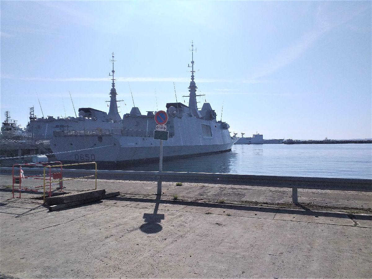 [Les ports militaires de métropole] Port de BREST - TOME 3 - Page 10 1018