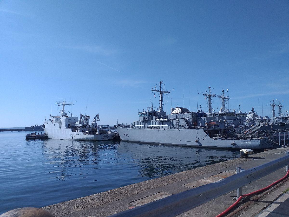 [Les ports militaires de métropole] Port de BREST - TOME 3 - Page 10 1318