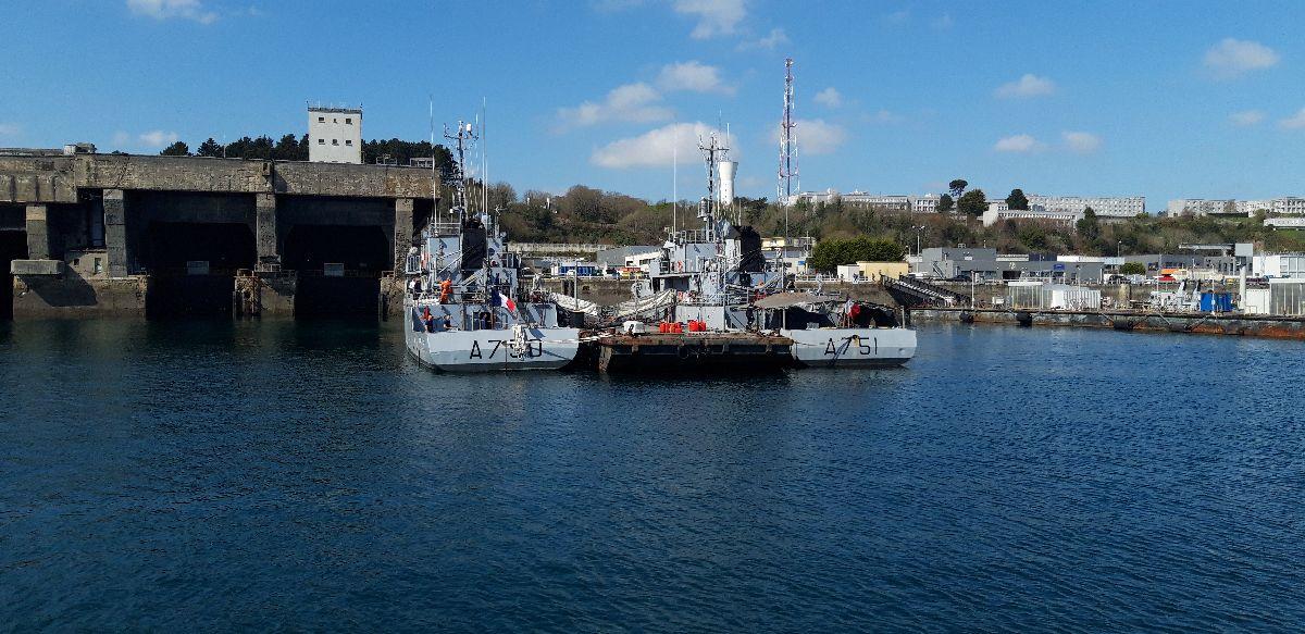 [Les ports militaires de métropole] Port de BREST - TOME 3 - Page 9 1413