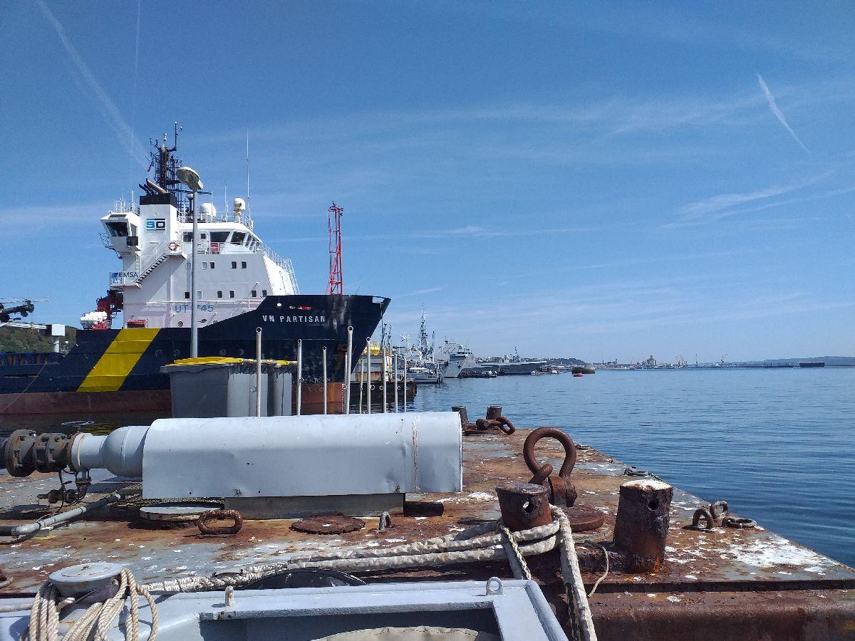 [Les ports militaires de métropole] Port de BREST - TOME 3 - Page 10 152