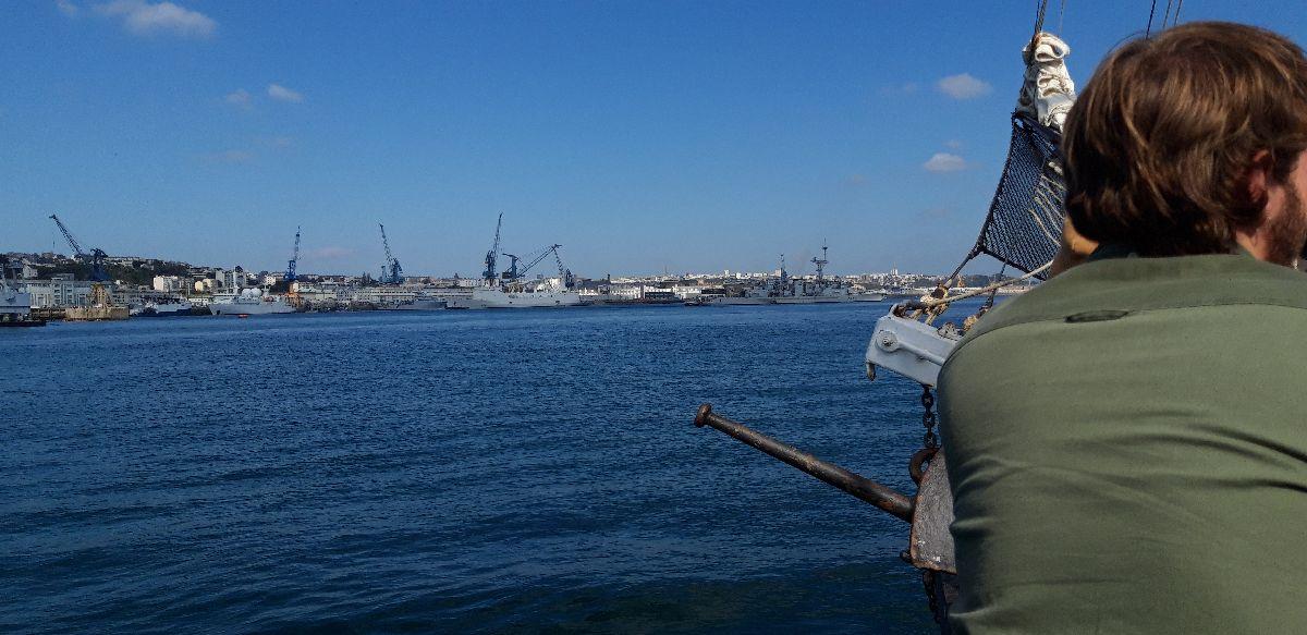 [Les ports militaires de métropole] Port de BREST - TOME 3 - Page 9 17_tem10