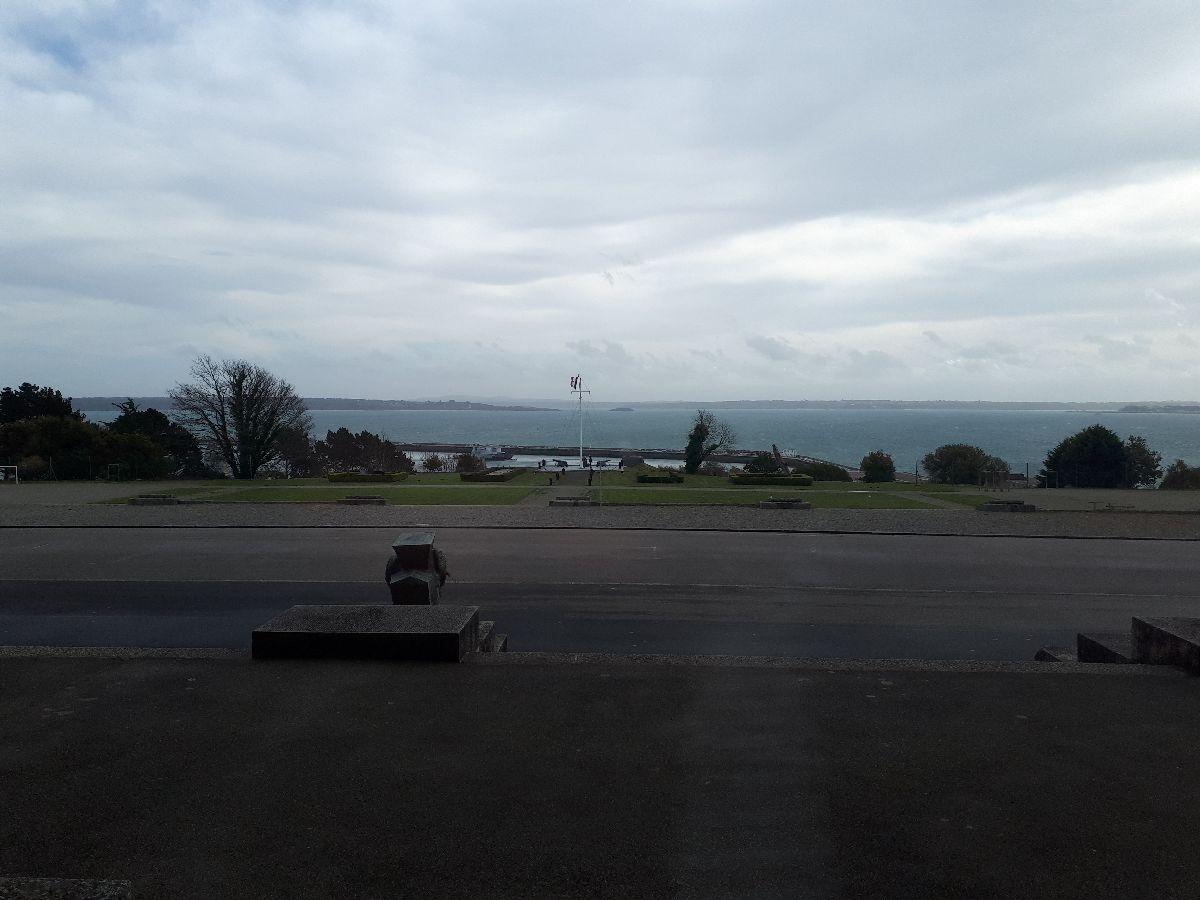[Les ports militaires de métropole] Port de BREST - TOME 3 - Page 2 1_cin10