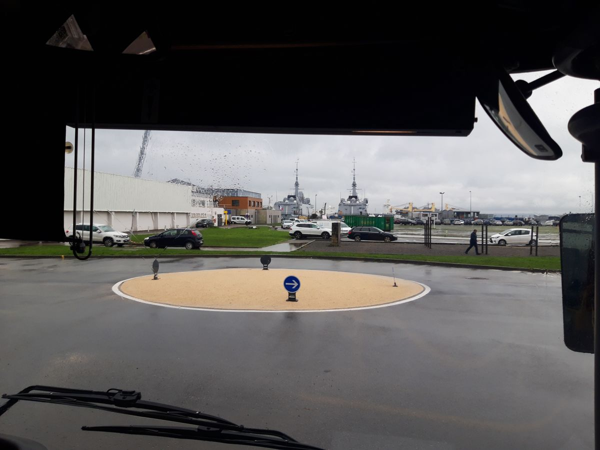 [Vie des ports] BREST Ports et rade - Volume 001 - Page 38 20190122