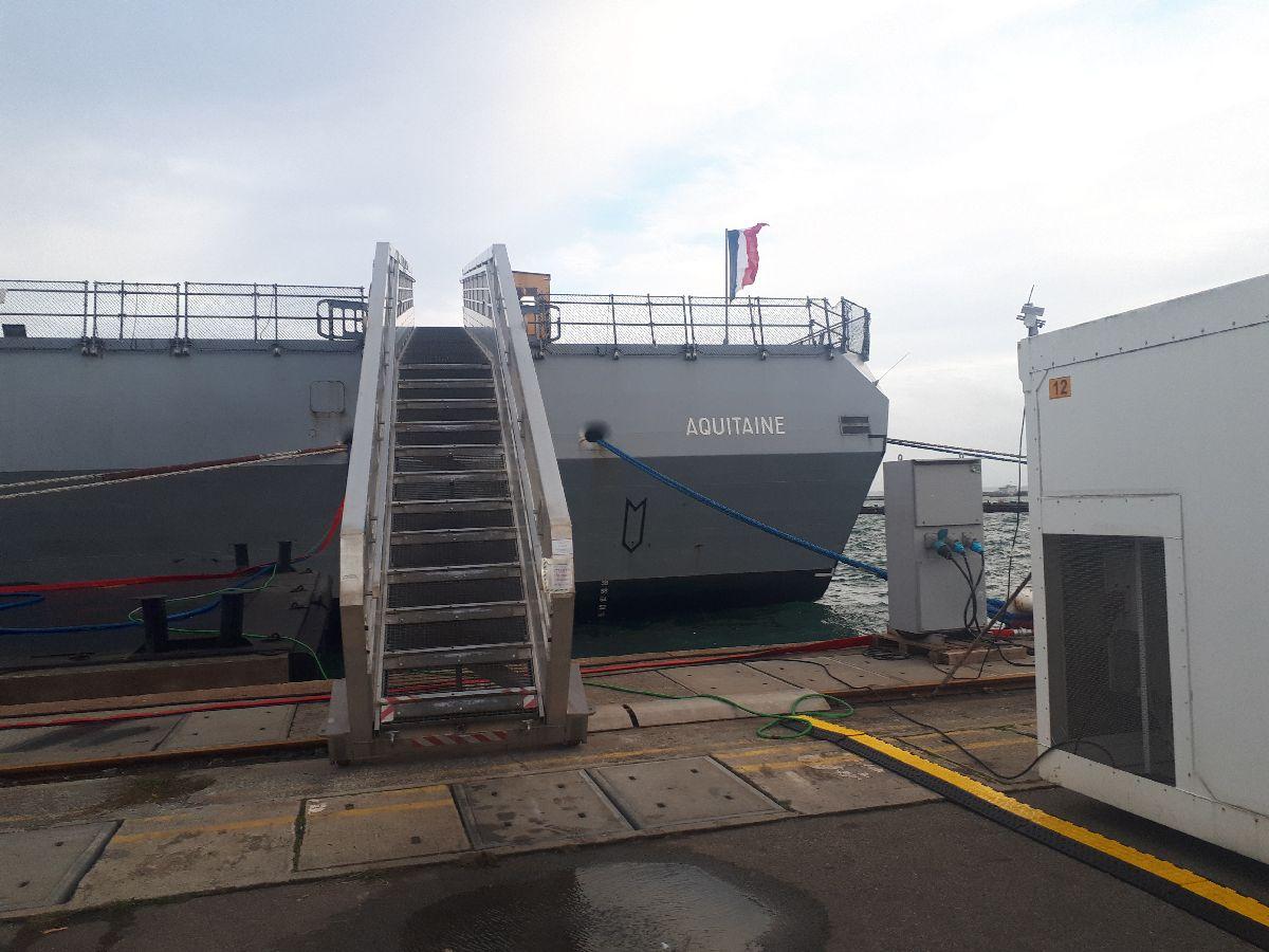 [Les ports militaires de métropole] Port de BREST - TOME 3 - Page 2 2_frem10