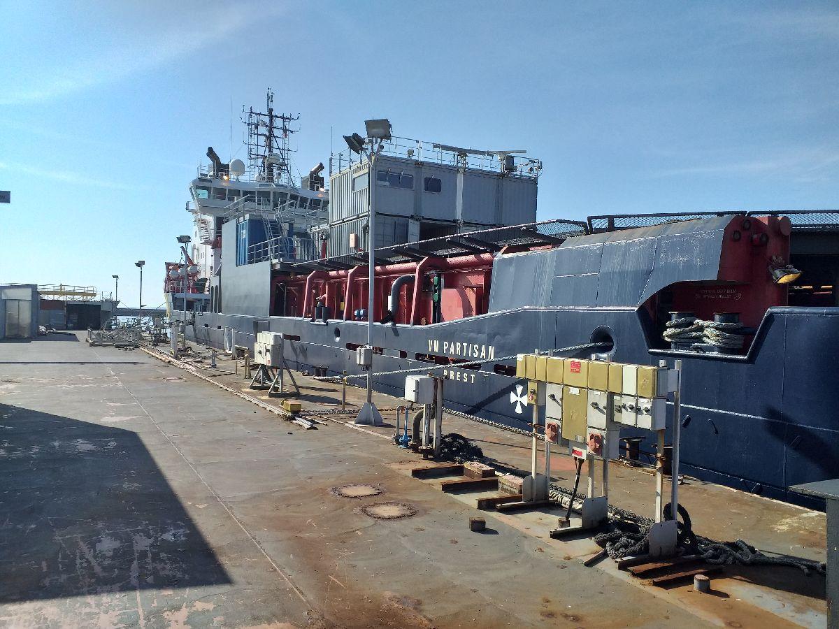 [Les ports militaires de métropole] Port de BREST - TOME 3 - Page 10 333
