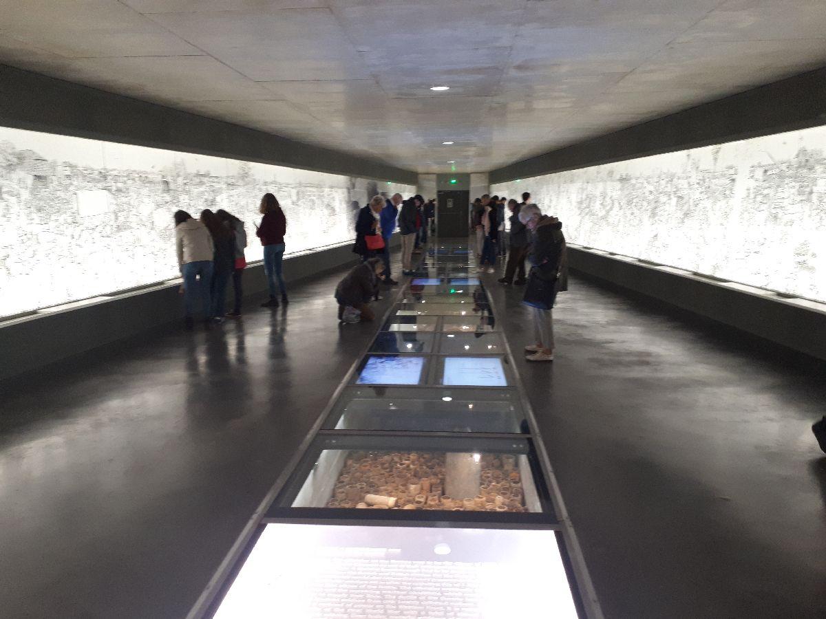 [ Histoires et histoire ] LA TRANSMISSION DE LA MÉMOIRE À TRAVERS LA DÉCOUVERTE DE LIEUX ANCRÉS DANS L'HISTOIRE 33_a_l10