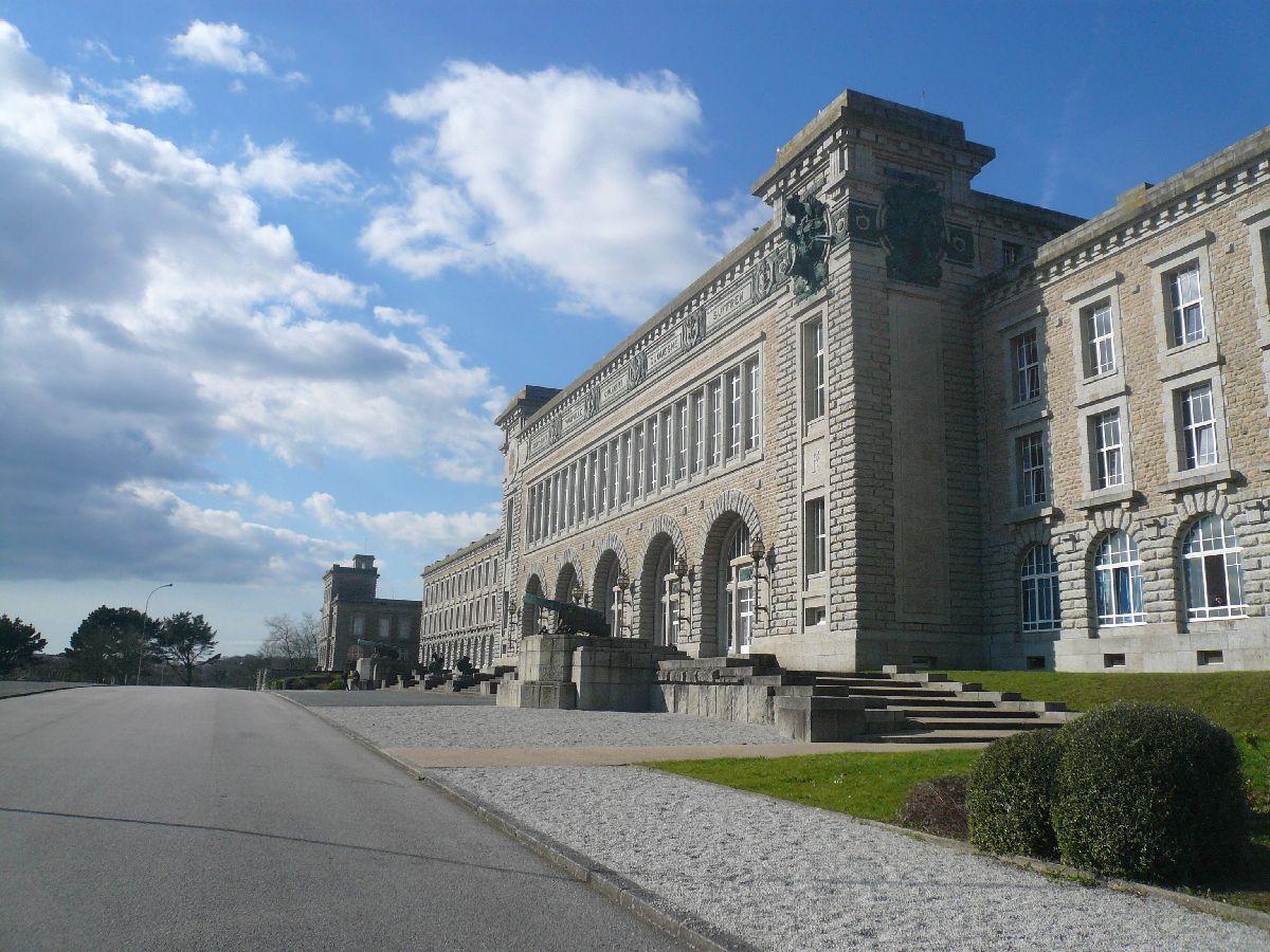 [ Recherches de camarades ] Recherches camarades Lycée technique Kerichen Brest 69 à 72 4_le_b11