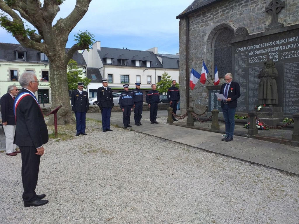[ Histoires et histoire ] Commémoration du 8 mai 1945 à Fouesnant 530
