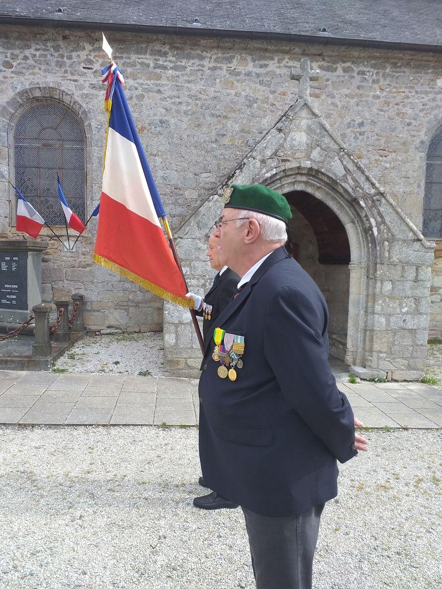 [ Histoires et histoire ] Commémoration du 8 mai 1945 à Fouesnant 632