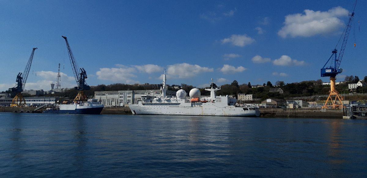 [Les ports militaires de métropole] Port de BREST - TOME 3 - Page 9 7_dupu10