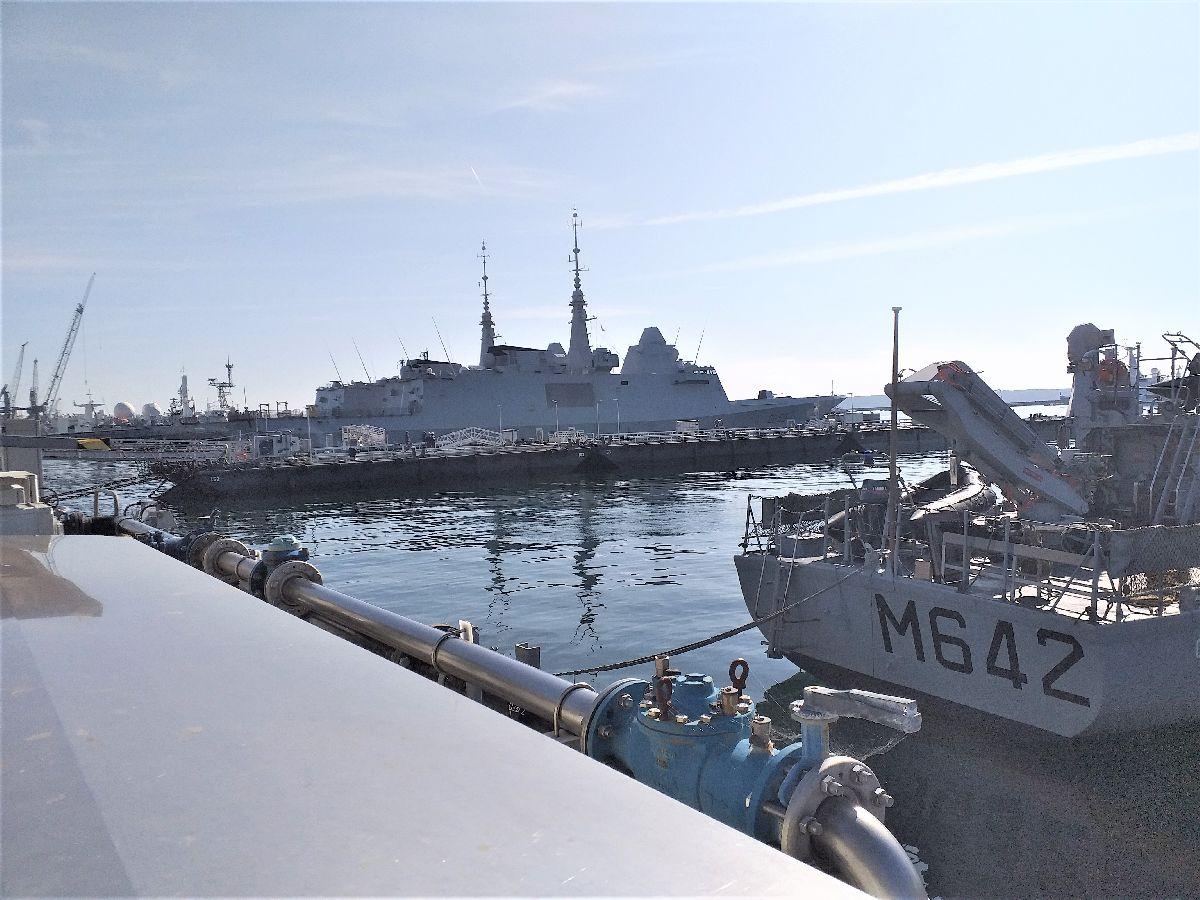 [Les ports militaires de métropole] Port de BREST - TOME 3 - Page 10 820