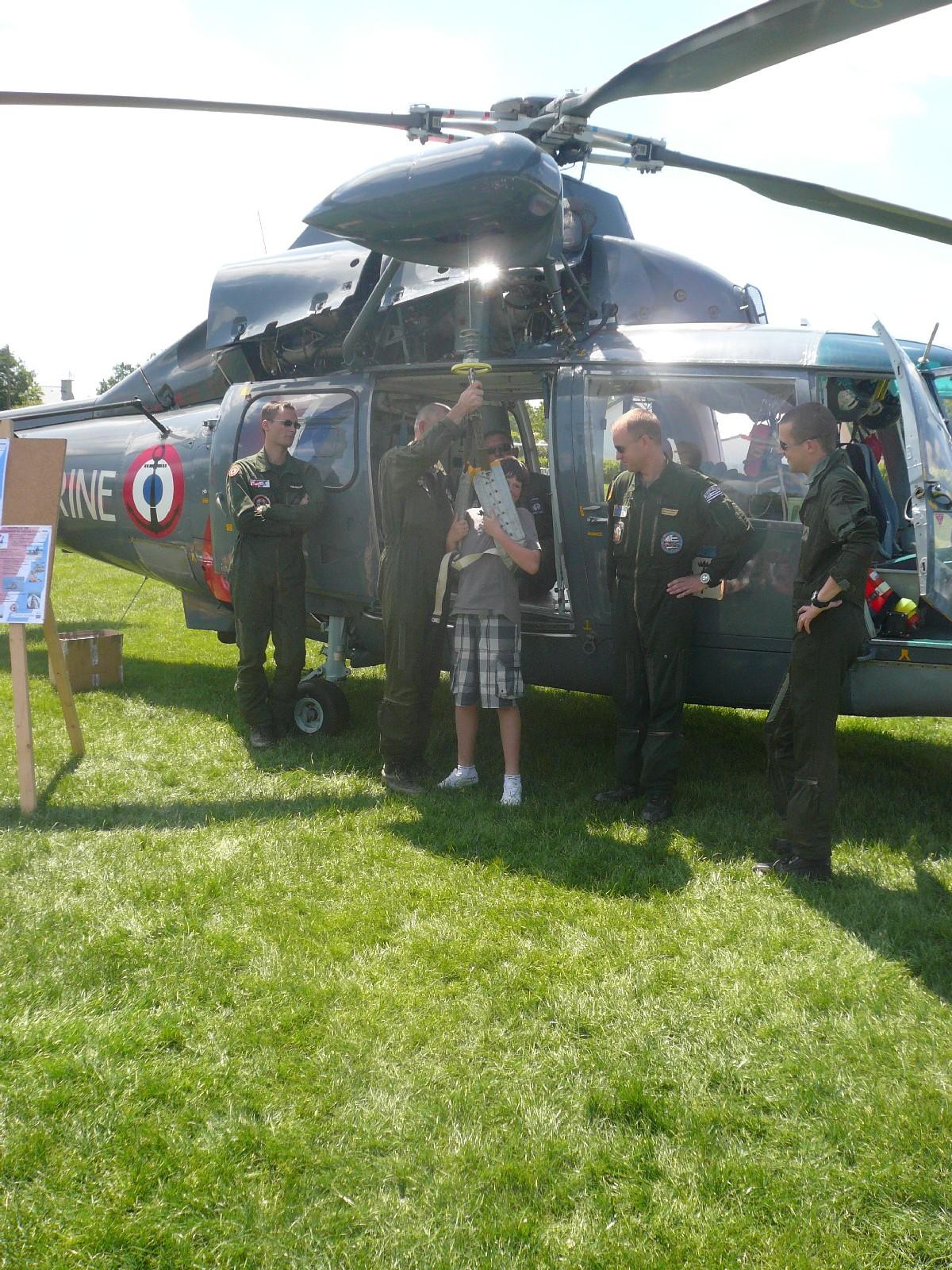 [ Aéronavale divers ] Hélicoptère DAUPHIN - Page 6 827
